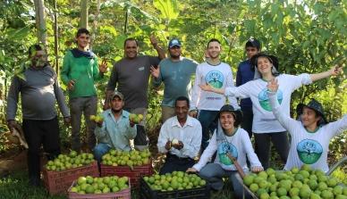 Debates sobre o uso de agrotóxicos e capacitação para a comunidade extrativista sensibilizam os participantes durante o Programa de Educação Ambiental de 2017