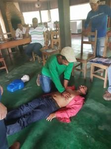 Os participantes aprenderam técnicas como a massagem cardíaca (Foto: ONF Brasil)