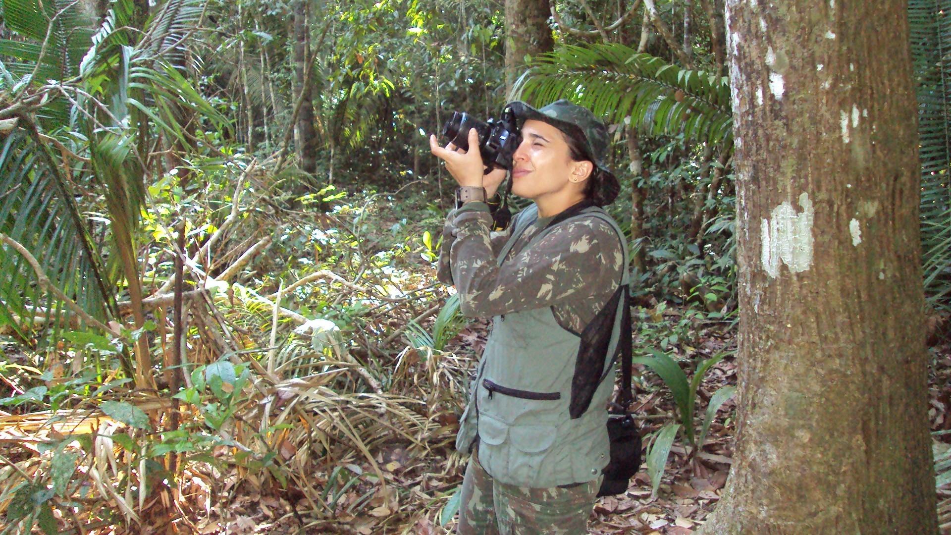 A pesquisadora participou de diferentes atividades de monitoramento e observação no Arco do Desmatamento (Foto: Gustavo Canale)